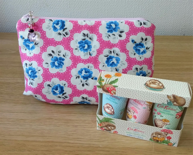 Zipped make up toiletry or bits and bobs bag