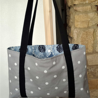 Project knitting crochet Bag in White spot on grey REDUCED.