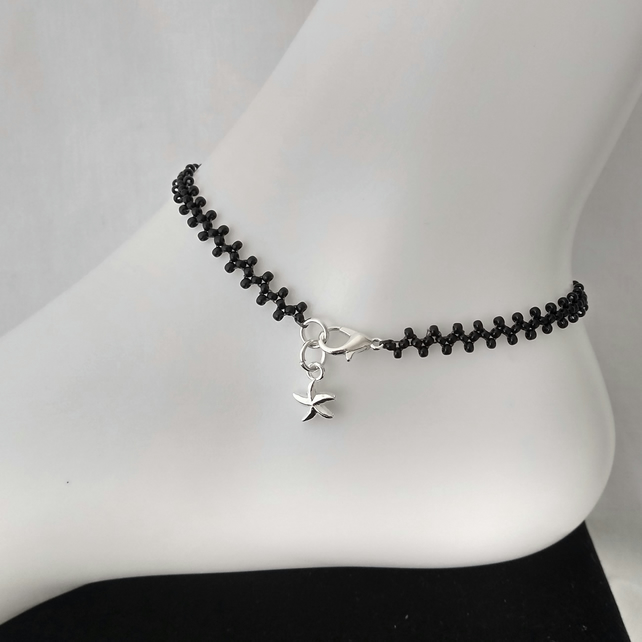 Black Zig Zag Pattern Seed Beaded Anklet