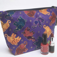 Makeup bag, purple elephants