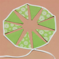 Bright Green Miniature Bunting – 8 Flags