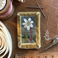 Wood Anemone - textile brooch