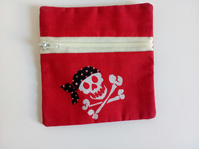 Change purse, coin purse, zipper pouch, skulls, pirates, skull and crossbones