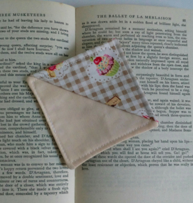Corner bookmark,  bookmark, stocking filler, cupcakes, teacher, book lover