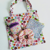 Gift set, hearts and flowers gift bag, scrunchie, purse, tissue holder