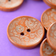 Natural Wooden Floral Pattern Button 25mm (MBR2) Rich Brown