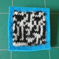 Rule 30 brooch - blue, square, needle felted.