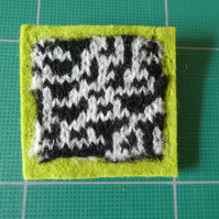 Rule 30 brooch - green, square, needle felted.
