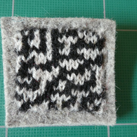 Rule 30 brooch - grey, square, needle felted.