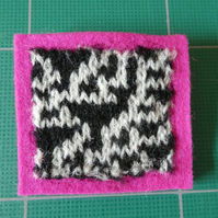Rule 30 brooch - pink, square, needle felted.