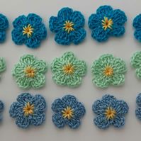 15 Blue Forget me not Crochet Flowers - Crafts - Embellishments