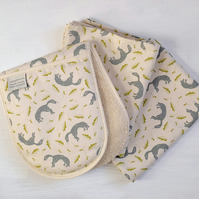 Oven Gloves and 2 Tea Towels, Cottage Kitchen Christmas Bundle