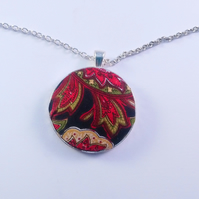 38mm Black and Red Patterned Fabric Covered Button Pendant