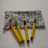 Colour in Jungle Animals Pencil Case with FREE pack of washable pens