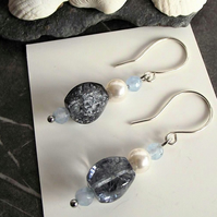 Blue agate, quartz and pearl earring