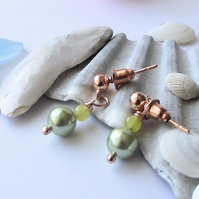 Green shell pearl jade earrings