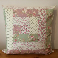 "Patchwork Cushion Cover, Log Cabin Throw Pillow, Cotton Floral Fabric, 16"", Zip"
