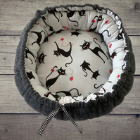 Black Cat Donut Bed, Small Pert Bed, Pet Bed