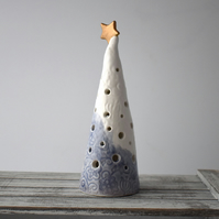 A299 Ceramic Christmas Tree Tea Light Holder (UK postage free)