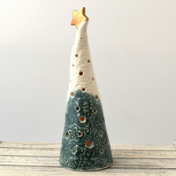 A325 Ceramic Christmas Tree Tea Light Holder (UK postage free)