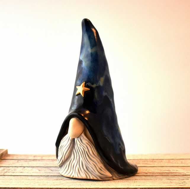 A369 - Ceramic Stoneware Wizard (UK postage included)