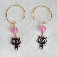 Gorgeous Black Cat charm earrings Pink beads - Gold tones