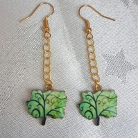 Gorgeous Tree of Life Earrings - Gold tones.