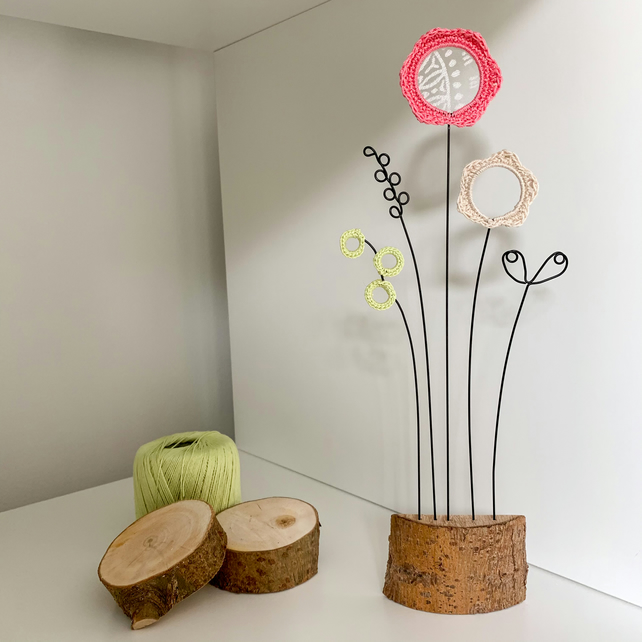 Limited Edition Letterbox Wire Crochet Flowers - Pink in bark