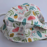 Fabric Face Covering - Autumn: Acorns, Mushrooms and Leaves