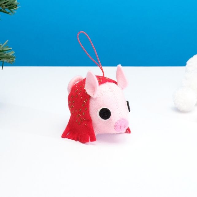 Pig in a blanket hanging ornament