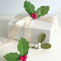 6 pieces Mistletoe and Holly Picks