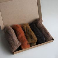 "Carded Corriedale wool slivers selection - ""amber"" letterbox pack"