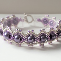 Pretty Purple Ombre beaded bracelet with pearls