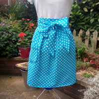 Half Apron Traditional Afternoon Tea Blue and White Spot