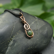 Hammered Copper Mini Spiral Pendant with Green Moss Agate