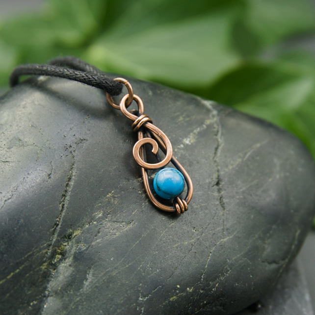 Hammered Copper Mini Spiral Pendant with Turquoise Howlite bead