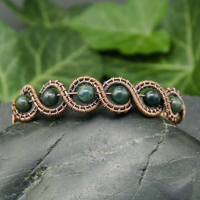 Wave Bracelet with Green Moss Agate - Copper Wire Woven Bracelet
