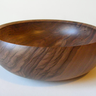 Walnut nibbles or fruit bowl