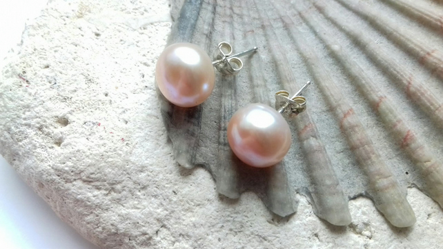 10mm Shell Pink Freshwater Pearl Studs