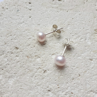 5-6mm Shell Pink Freshwater Pearls