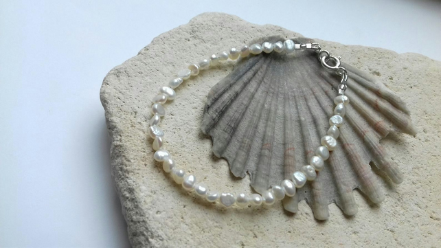 White Freshwater Pearl Bracelet with Sterling Silver Clasp - 6mm Pearls