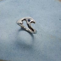 Eco silver waves ring with cornflower blue sapphire