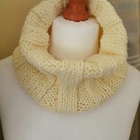Hand Knitted Ribbed Cowl - Lemon