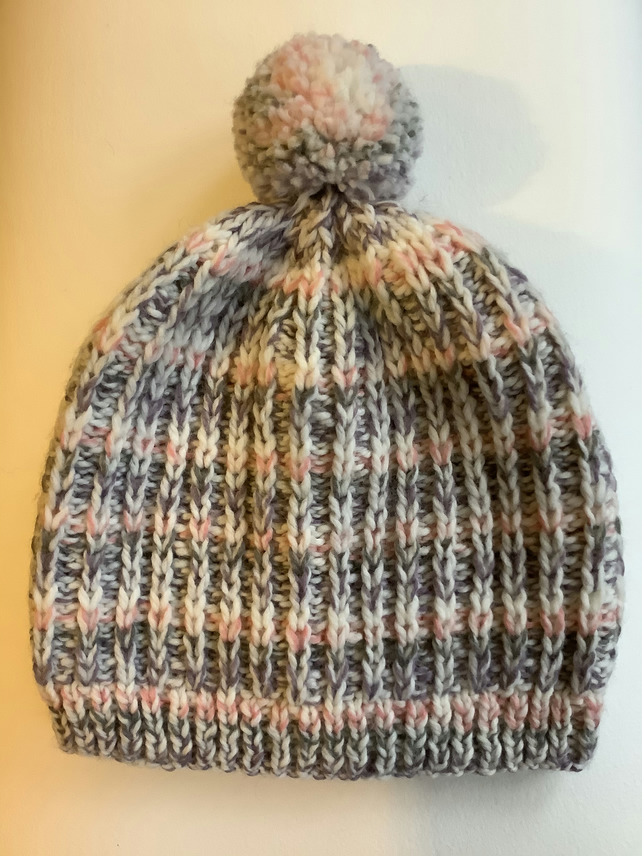 Slouchy bobble Hat