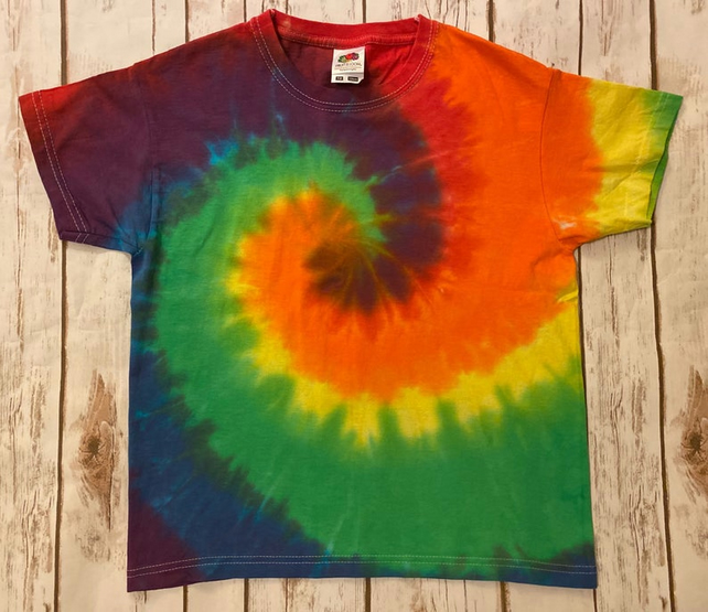 Hand tie dye kids Rainbow Swirl T-shirt size 7 to 8 years