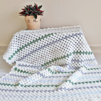 Baby Blanket - Traditional Granny Stripe - Cream & Stripes - 88cm x 65cm
