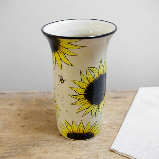 Large Vase - Sunflowers and Bees (Top Black)