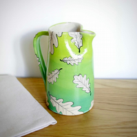 Medium Jug - Simple Pattern Oak Leaves and Background Green Tone
