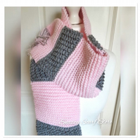 Chunky Pink & Grey Fringe Knitted Scarf