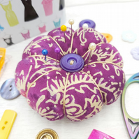 Pumpkin Pin cushion, Gift, Sewing accessory - Free Shipping